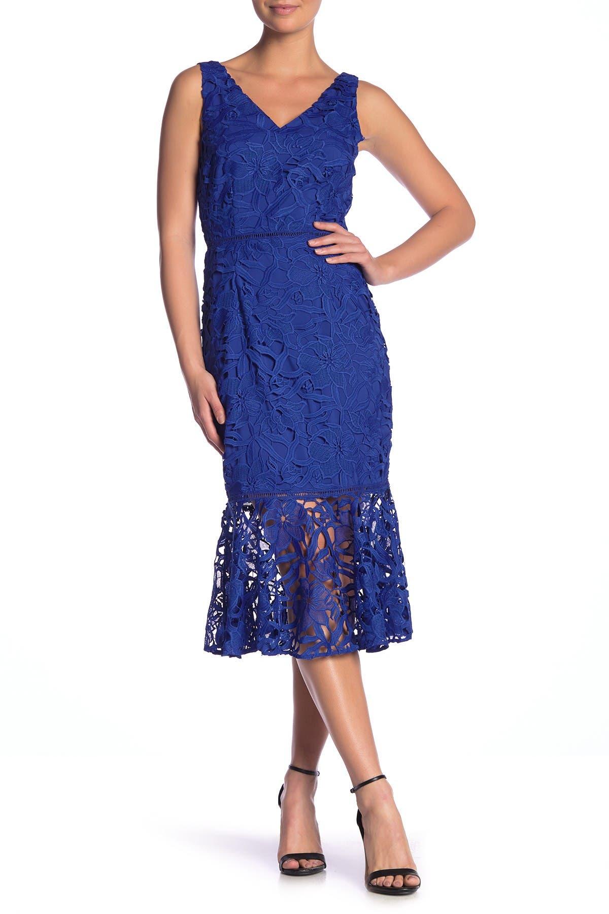 Image of Alexia Admor V-Neck Lace Peplum Hem Dress