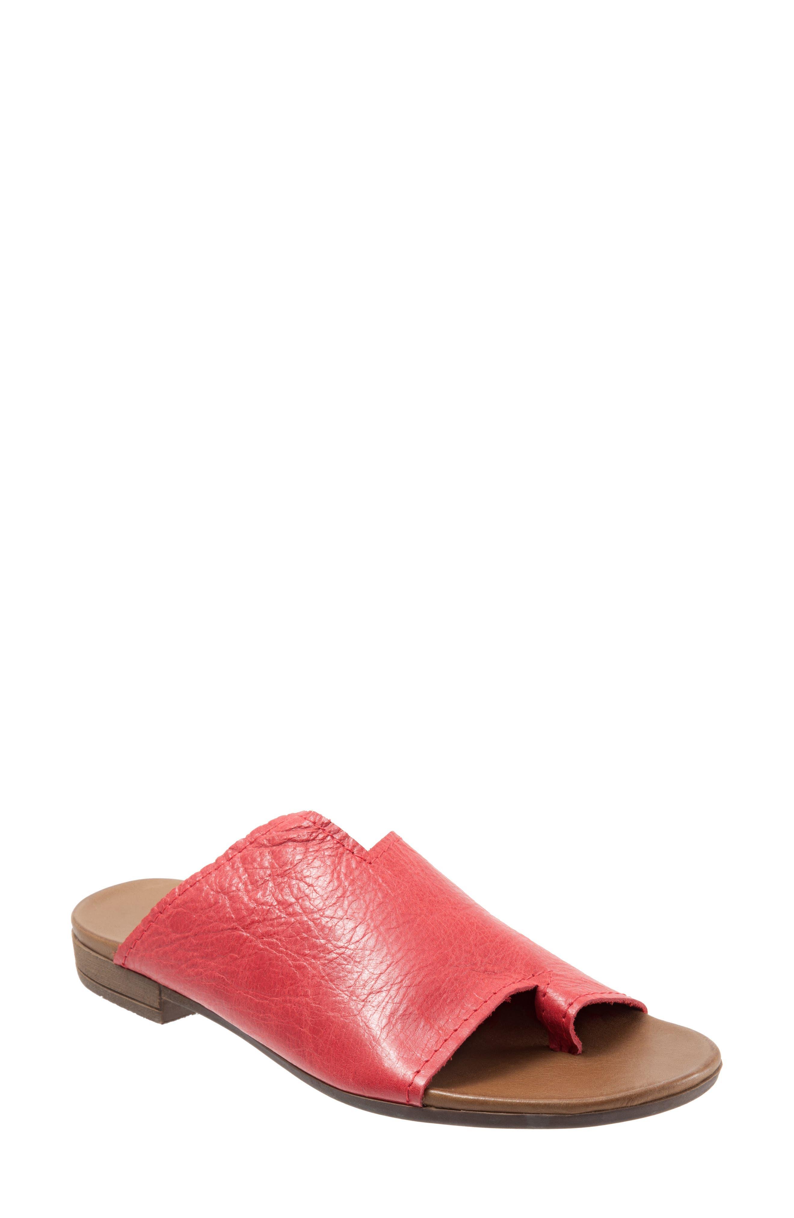Tulla Slide Sandal
