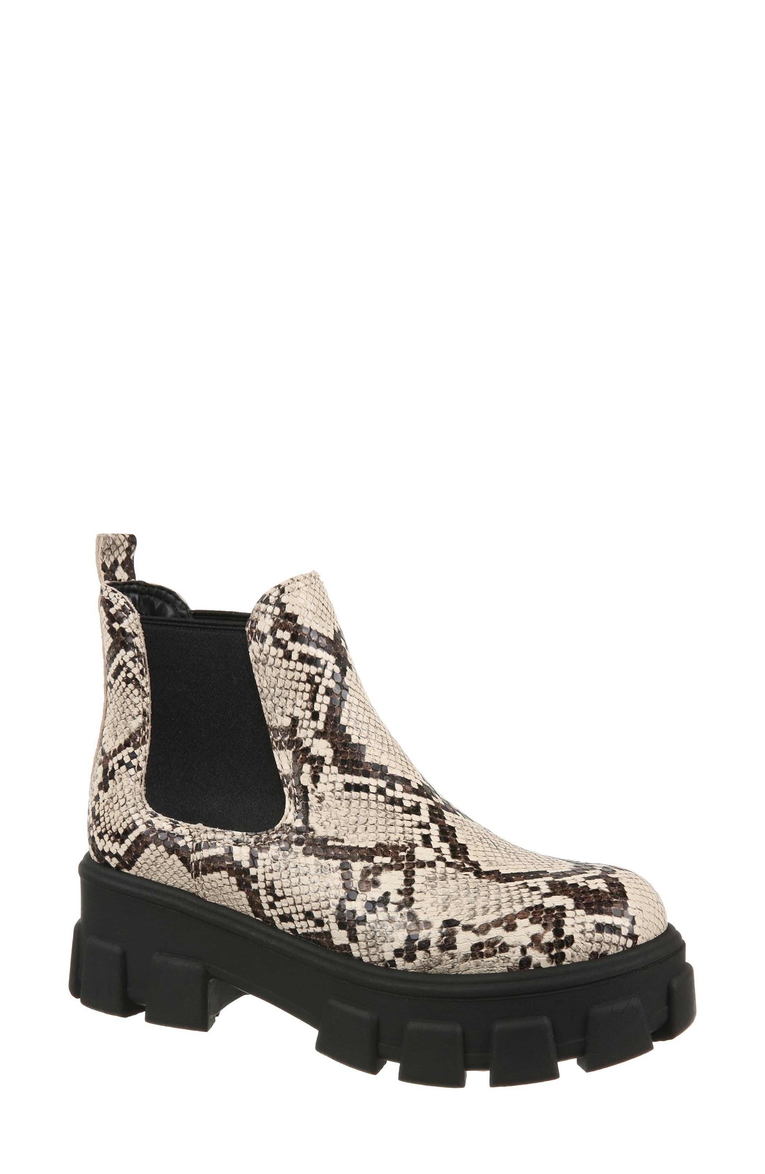 Darielle Platform Chelsea Boot