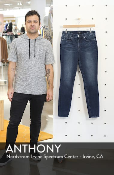 Ami Ankle Jeans, sales video thumbnail