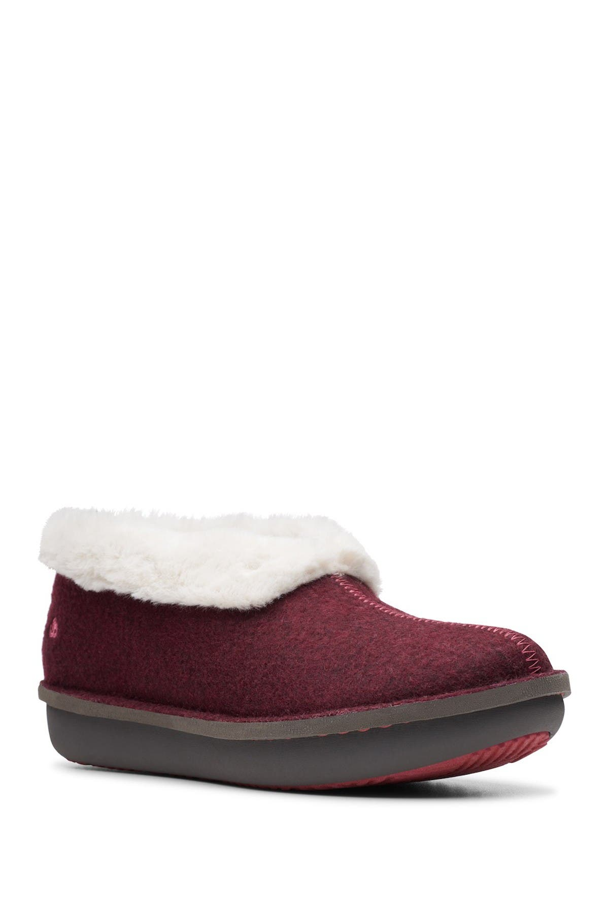 Image of Clarks Step Flow Low Faux Fur Lined Slipper