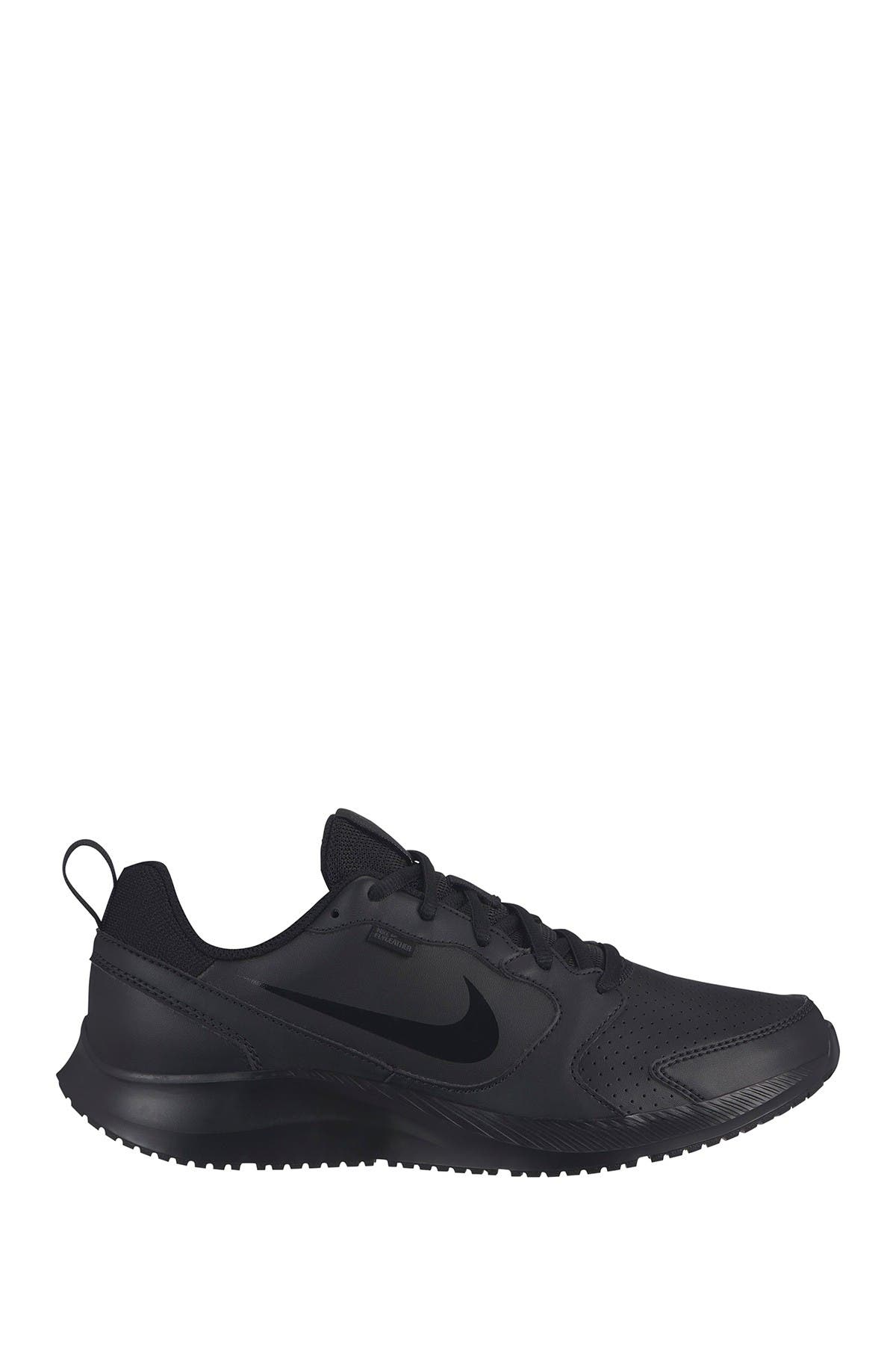 Image of Nike Todos Sneaker
