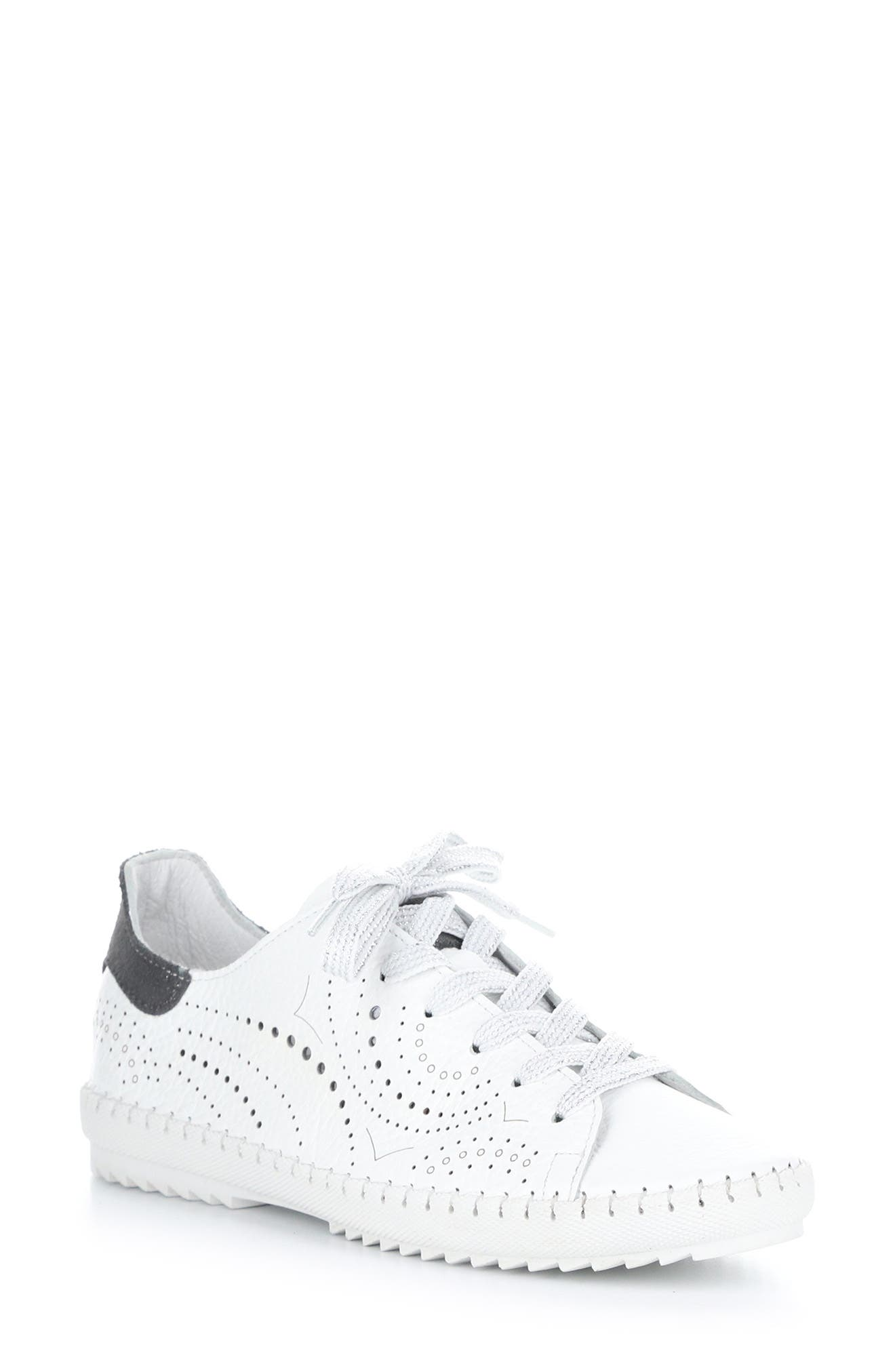 Oxley Lace-Up Sneaker