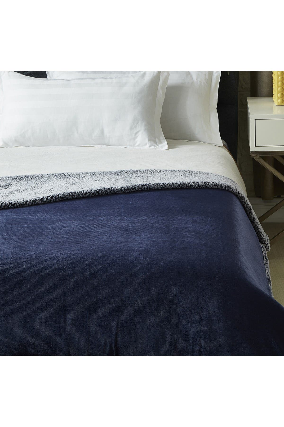 "Image of Inspired Home Cozy Tyme Saleem Flannel Reversible Heathered Faux Shearling Throw 50"" x 60"" - Navy"