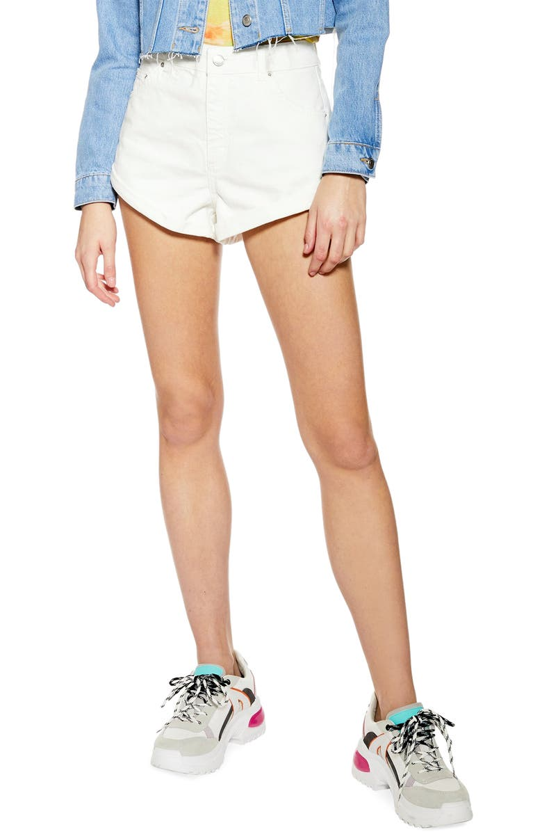 TOPSHOP Kiri Roll Hem Denim Shorts, Main, color, 100