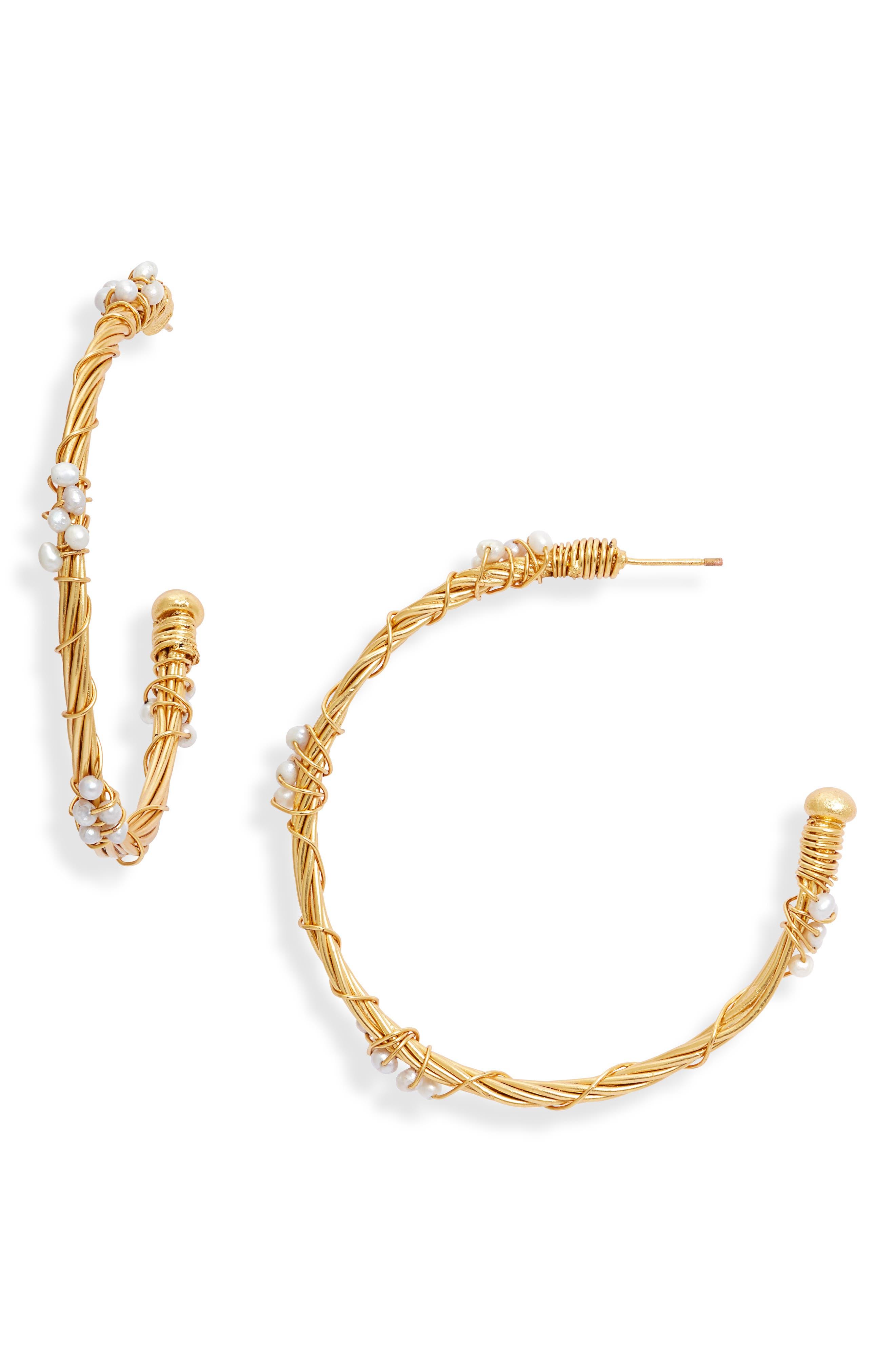 Caribe Trenza Perla Freshwater Pearl Hoop Earrings