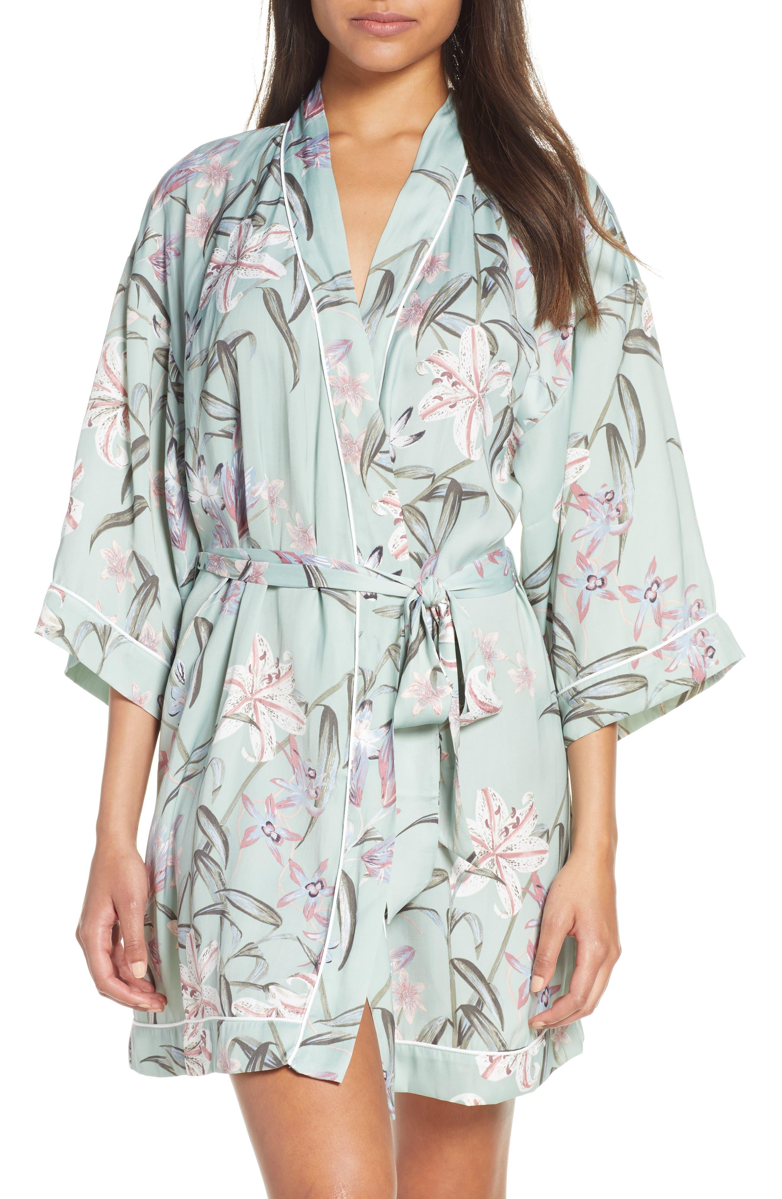 Nordstrom Lingerie Sweet Dreams Short Satin Robe (Regular & Plus Size)