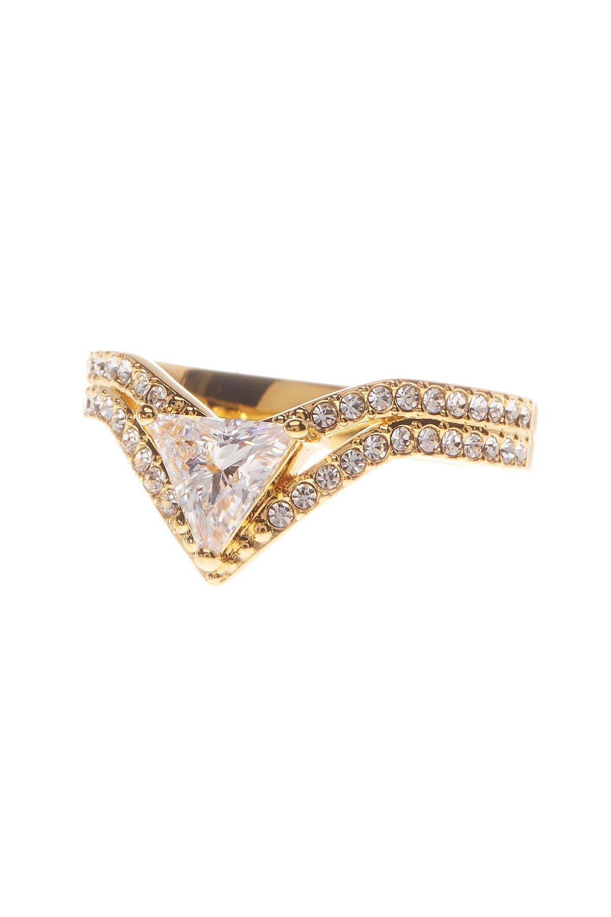 V Triangle Ring