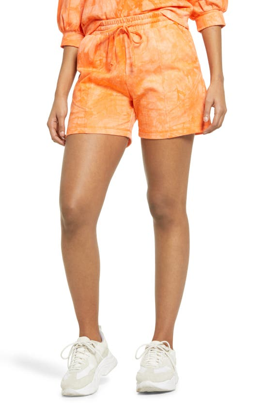 Kendall + Kylie Tie Dye Shorts In Orange Tie-dye