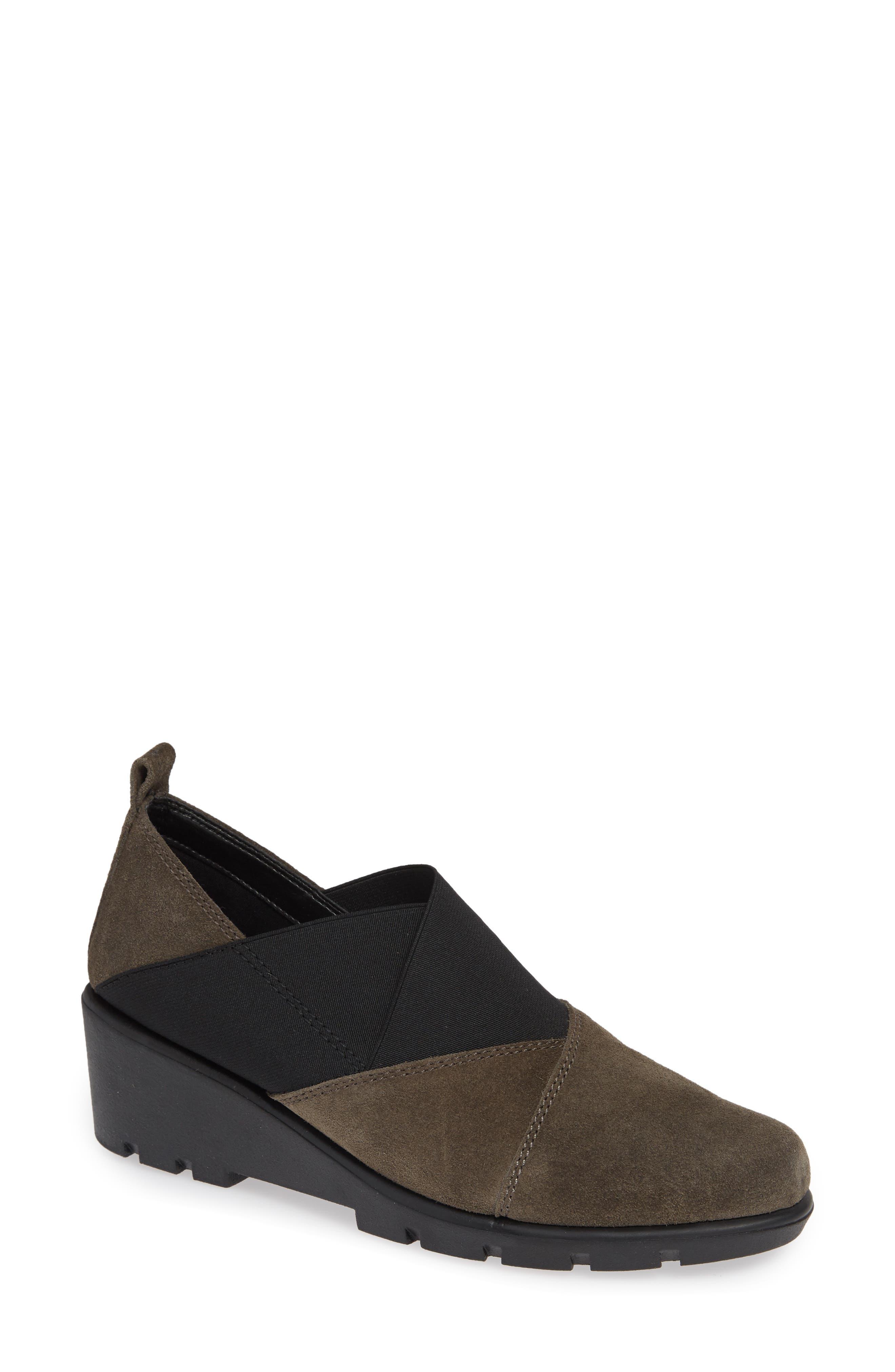 The Flexx Crosstown Slip-On Shoe, Brown