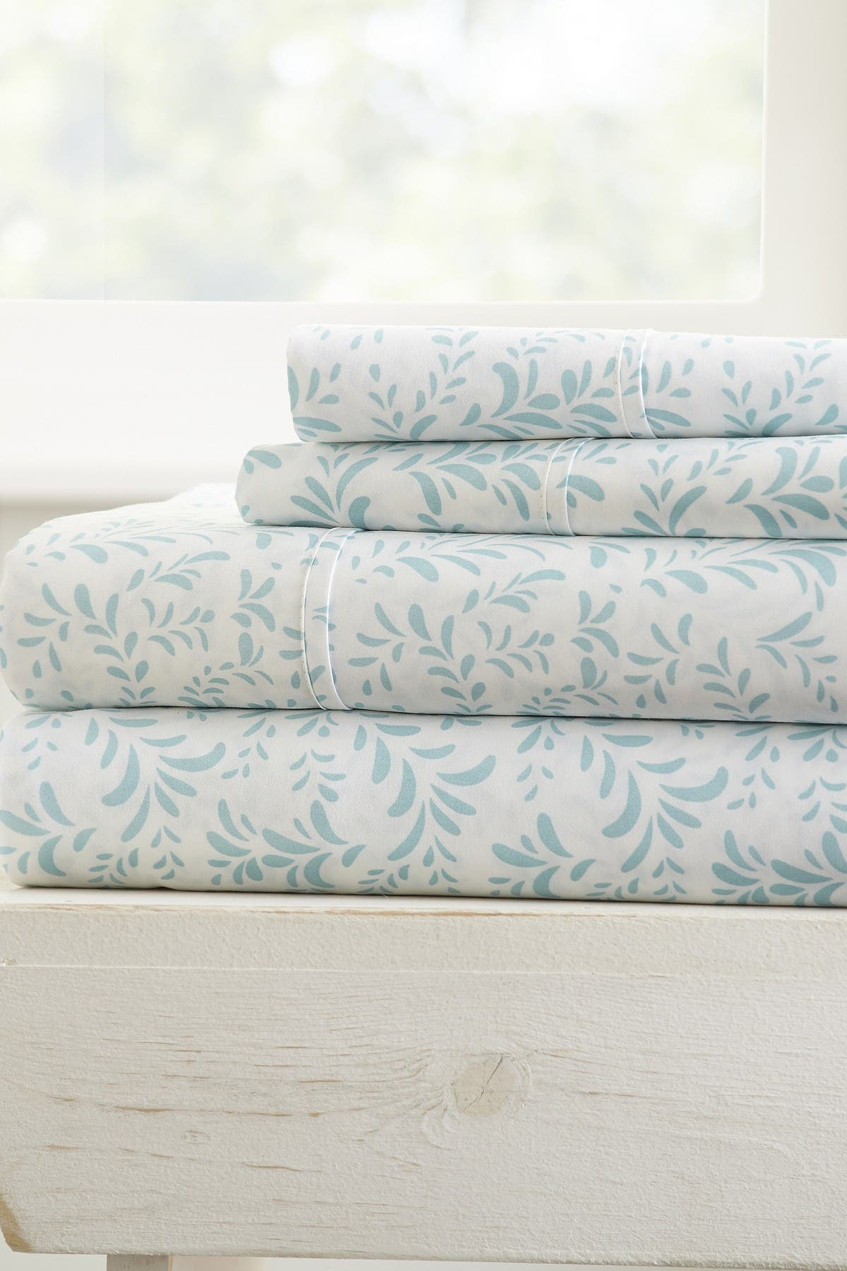Image of IENJOY HOME Home Spun Premium Ultra Burst of Vines Pattern 3-Piece Twin Bed Sheet Set - Light Blue
