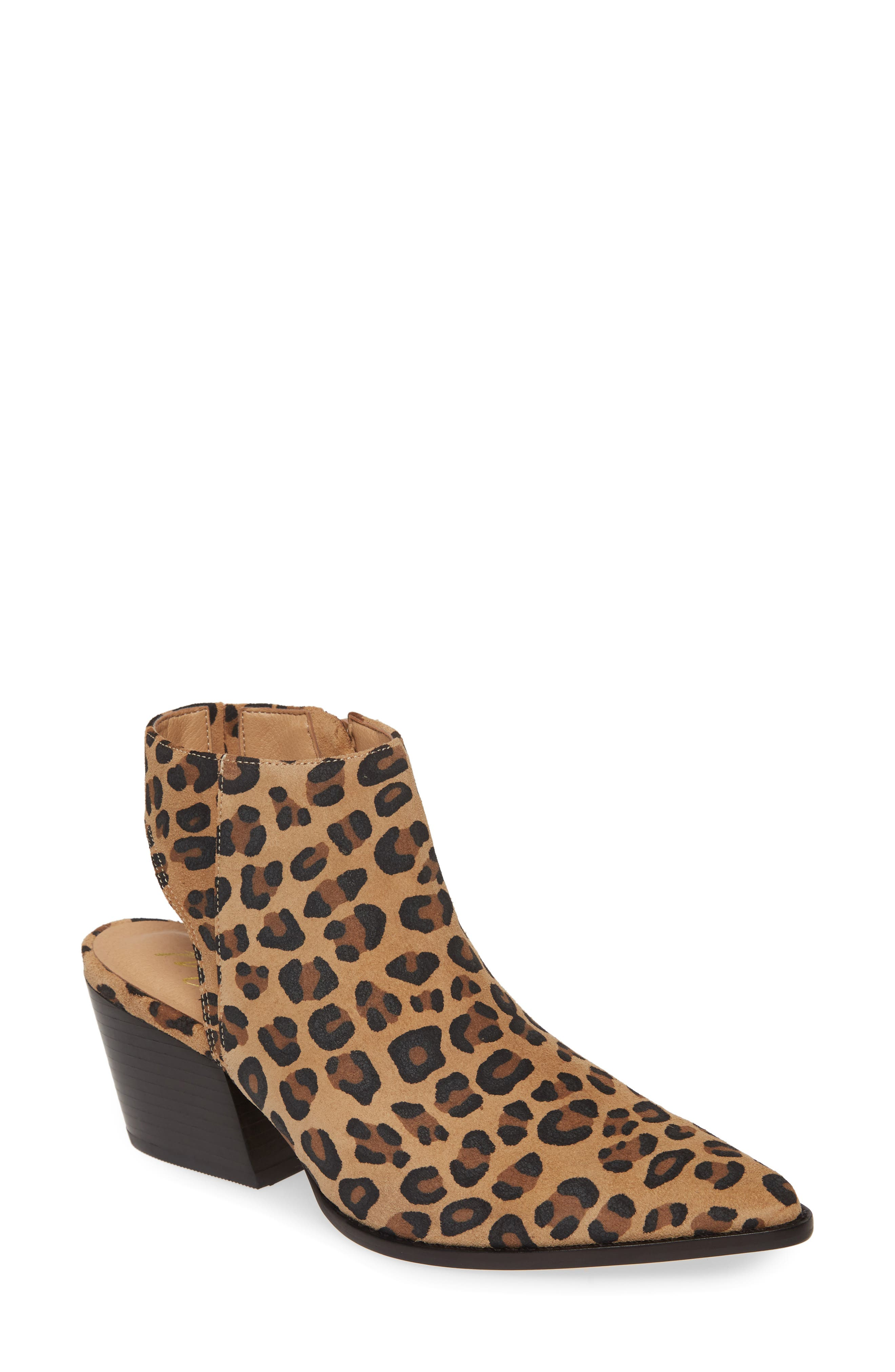 Matisse Odie Cutout Pointed Toe Boot, Brown