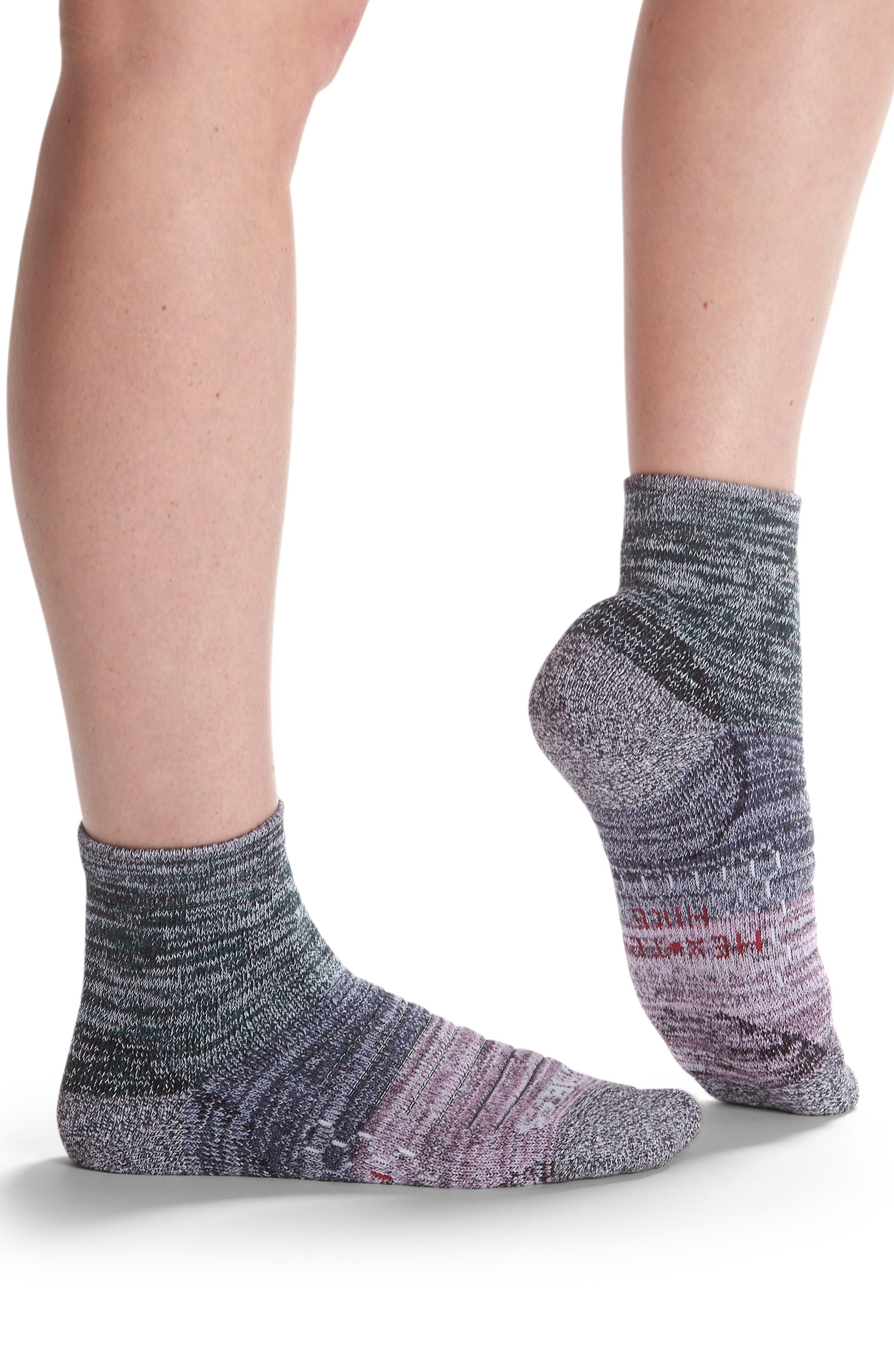 Colorblock Hiking Quarter Socks