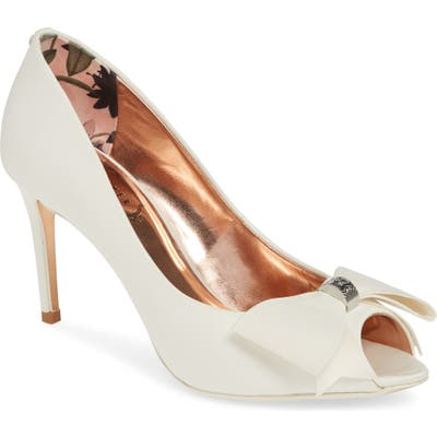 Ted Baker London Nualas Pump - Ivory