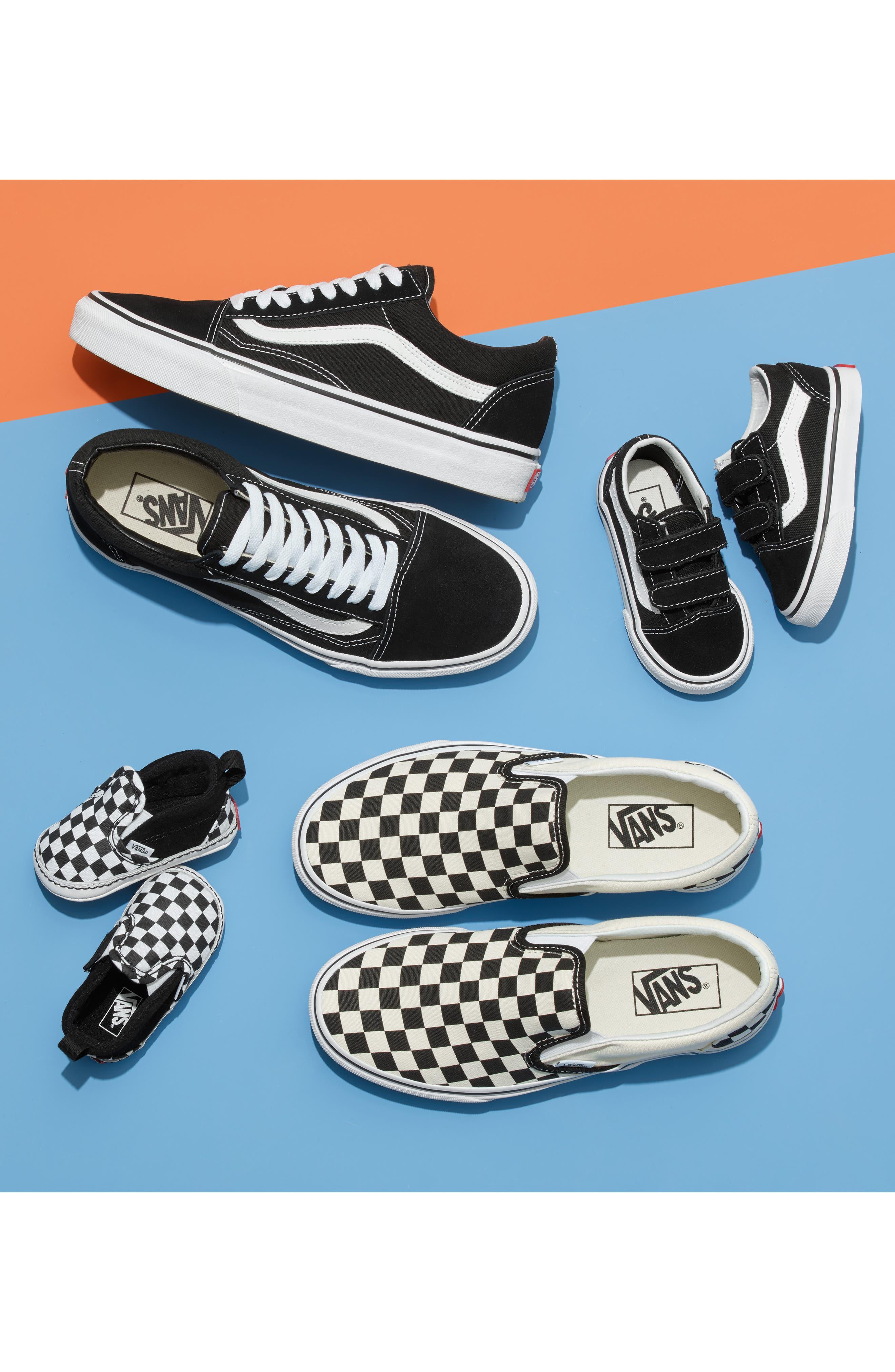 ,                             Old Skool Sneaker,                             Alternate thumbnail 6, color,                             BLACK CANVAS
