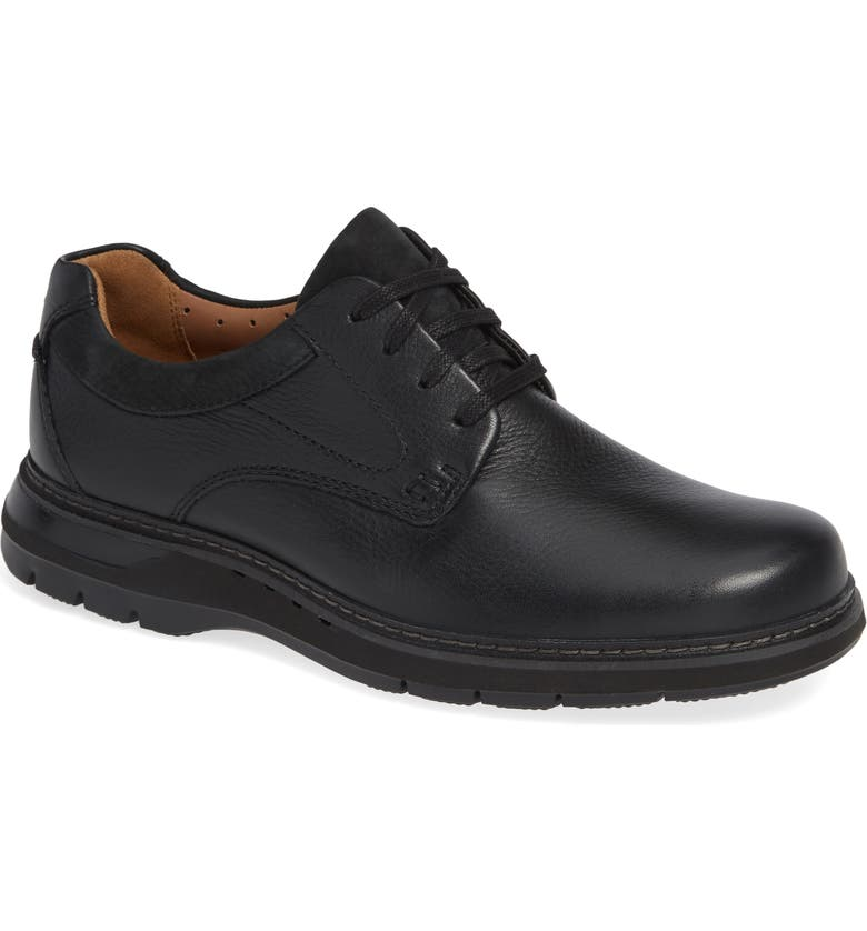 CLARKS<SUP>®</SUP> Un Ramble Lo Plain Toe Derby, Main, color, BLACK LEATHER