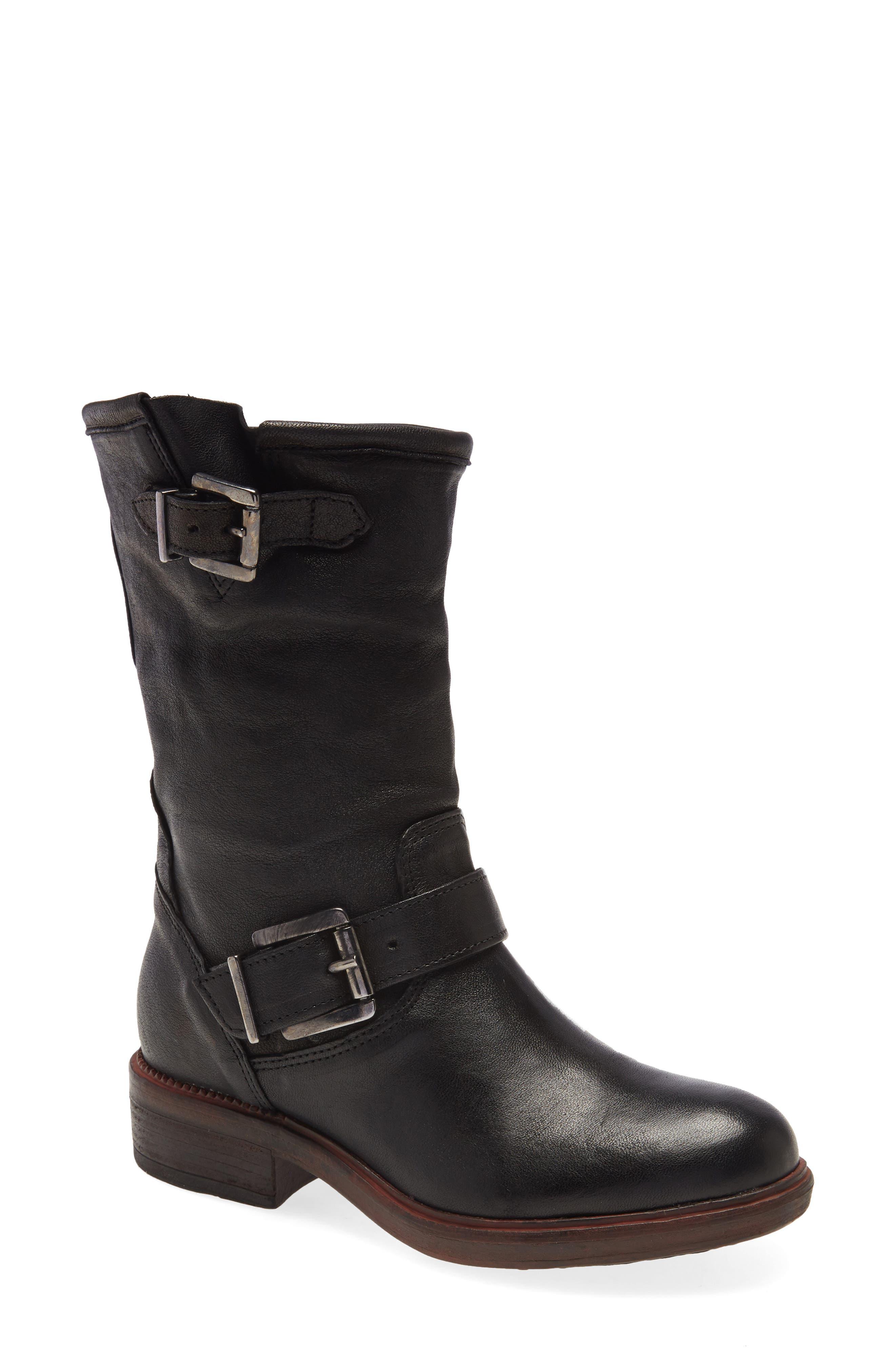 Pike Buckle Boot