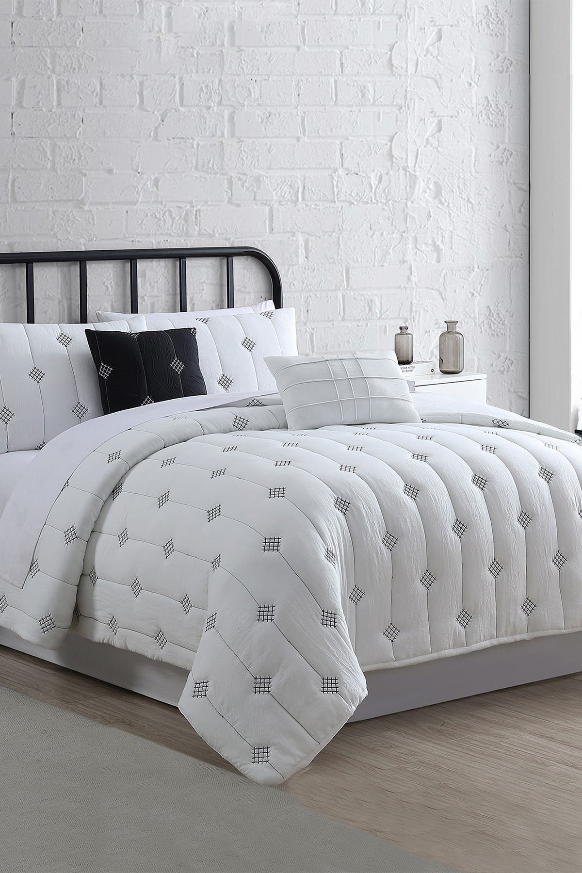 Image of Modern Threads 5-Piece Embroidered Garment-Washed Comforter Set - Eldon Ivory - Queen