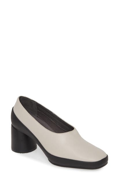Camper UPRIGHT COLUMN HEEL PUMP