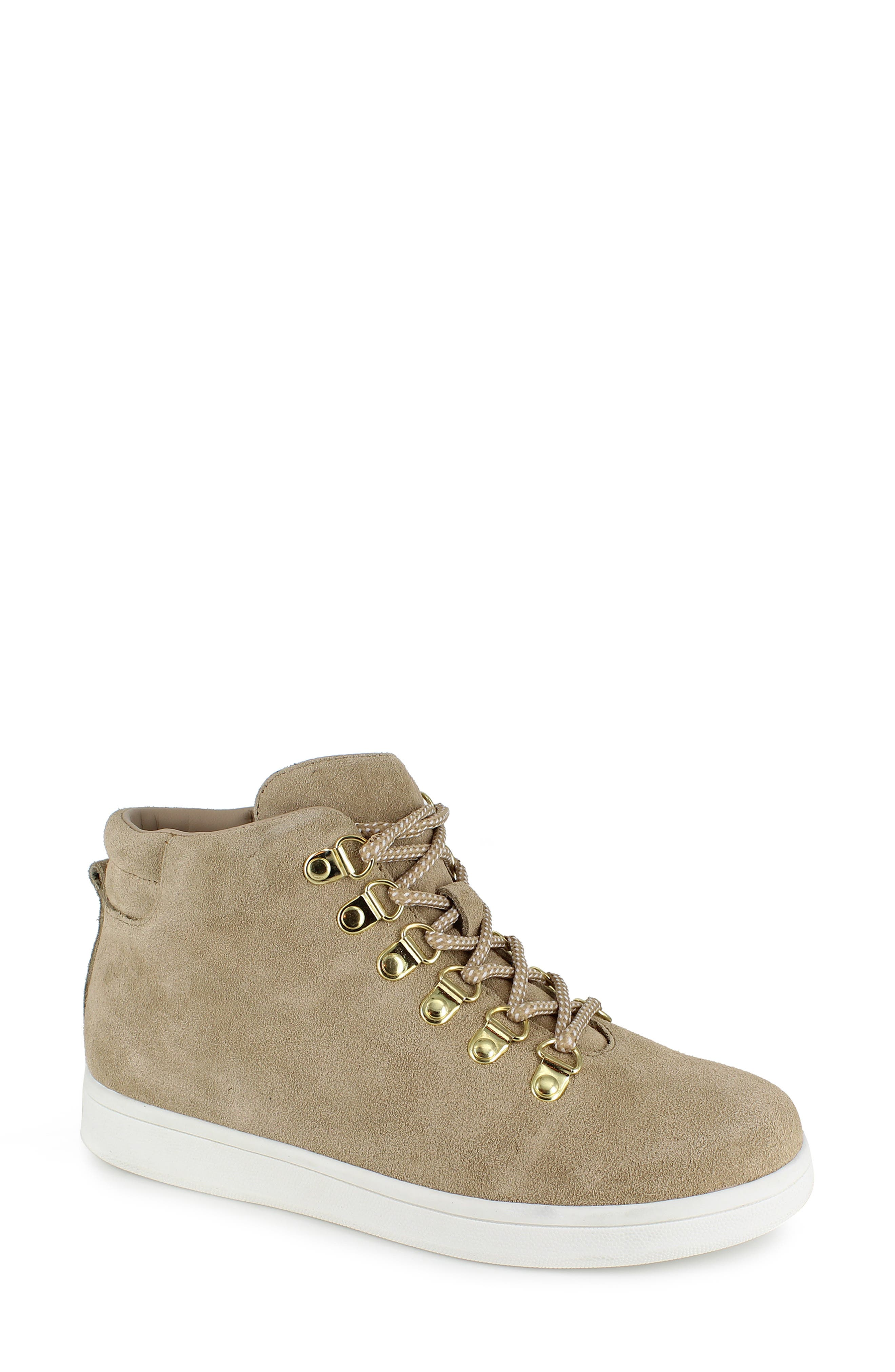 Flori High Top Sneaker