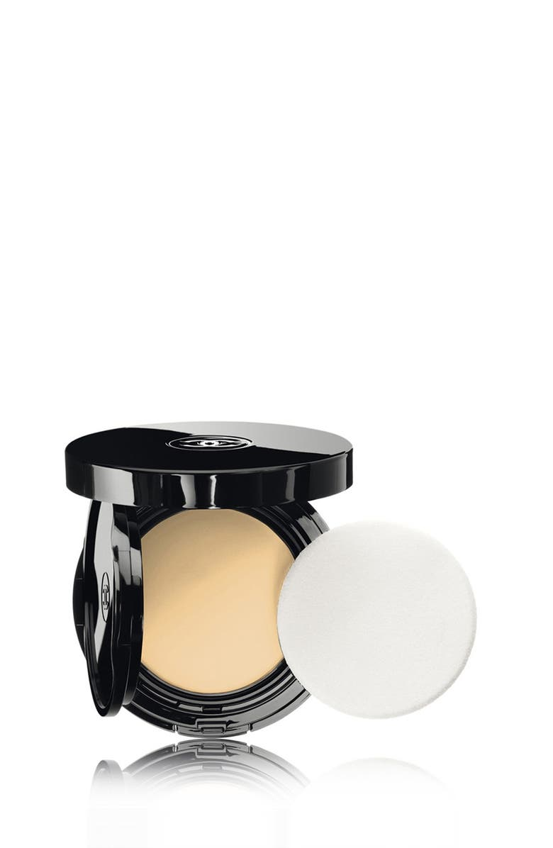 CHANEL VITALUMIÈRE AQUA <br />Fresh and Hydrating Cream Compact Sunscreen Makeup Broad Spectrum SPF 15, Main, color, 030