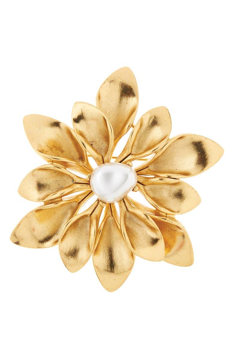 OSCAR DE LA RENTA Imitation Pearl Flower Brooch, Main, color, 710