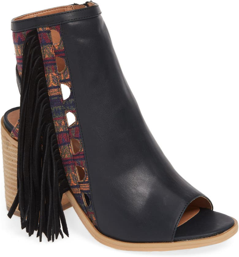 VERY VOLATILE Kapalua Fringe Sandal, Main, color, BLACK