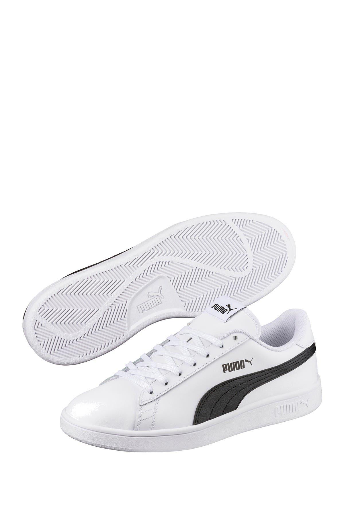 PUMA | Smash V2 Leather Sneaker