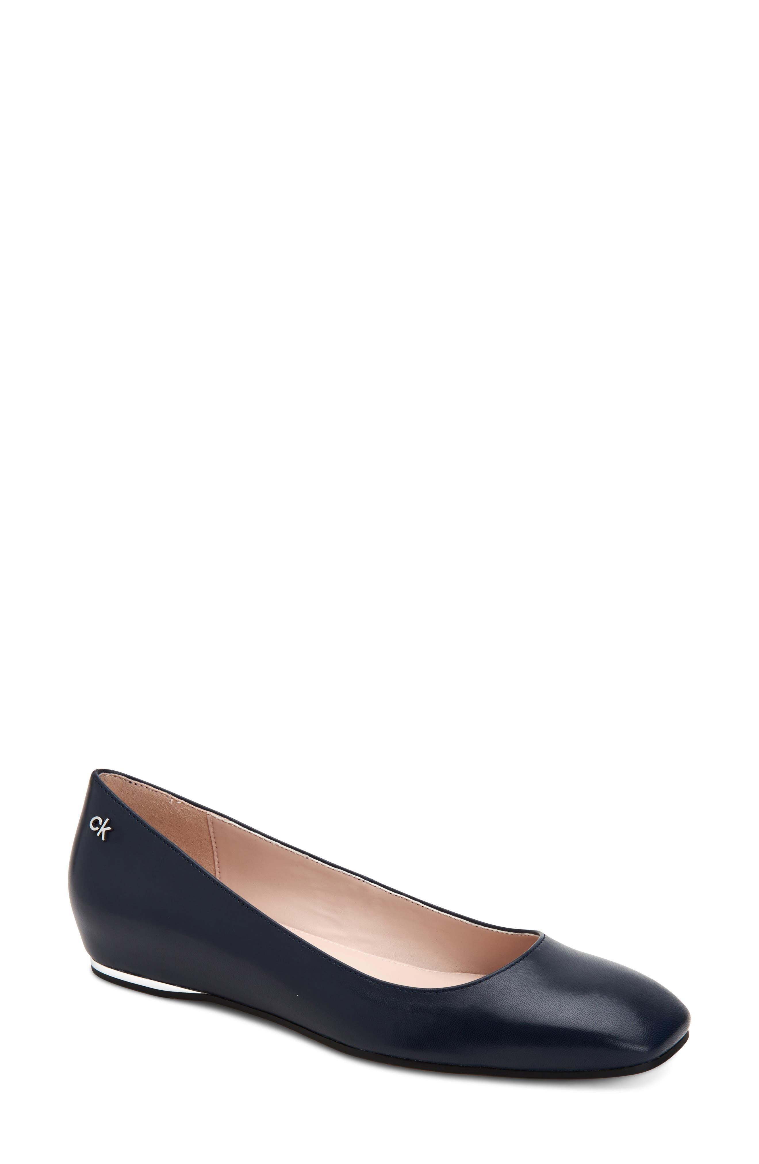 Available in sizes 8,9.5,11 Girls Black Ballet Pumps