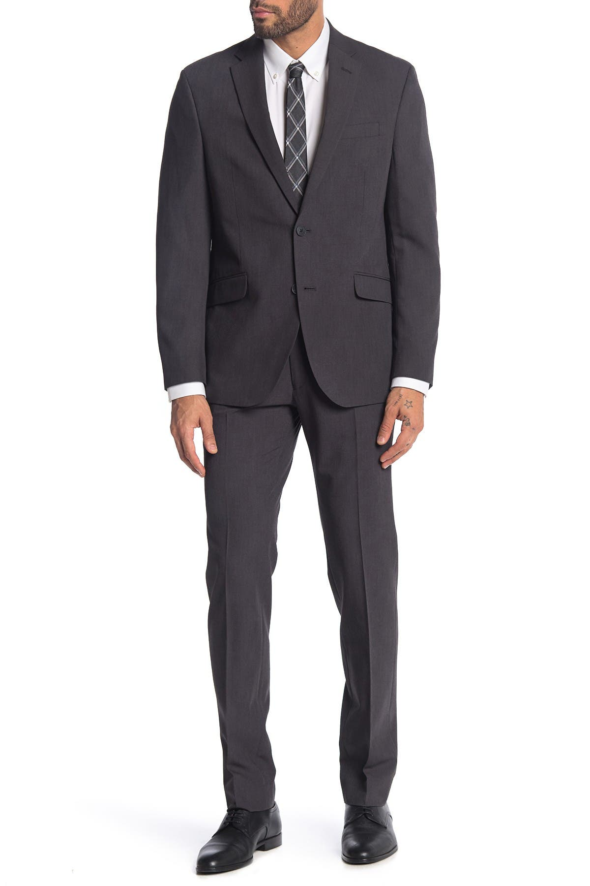Image of Kenneth Cole Reaction Solid Grey 2-Piece Trim Fit Suit