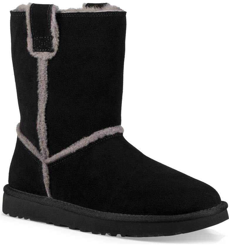 UGG<SUP>®</SUP> Classic Short Spill Seam Genuine Shearling Boot, Main, color, 001