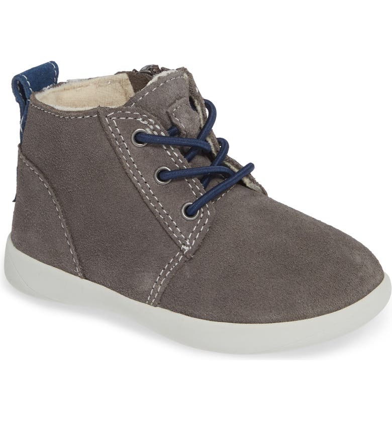 UGG<SUP>®</SUP> Kristjan Chukka Sneaker, Main, color, CHARCOAL GREY
