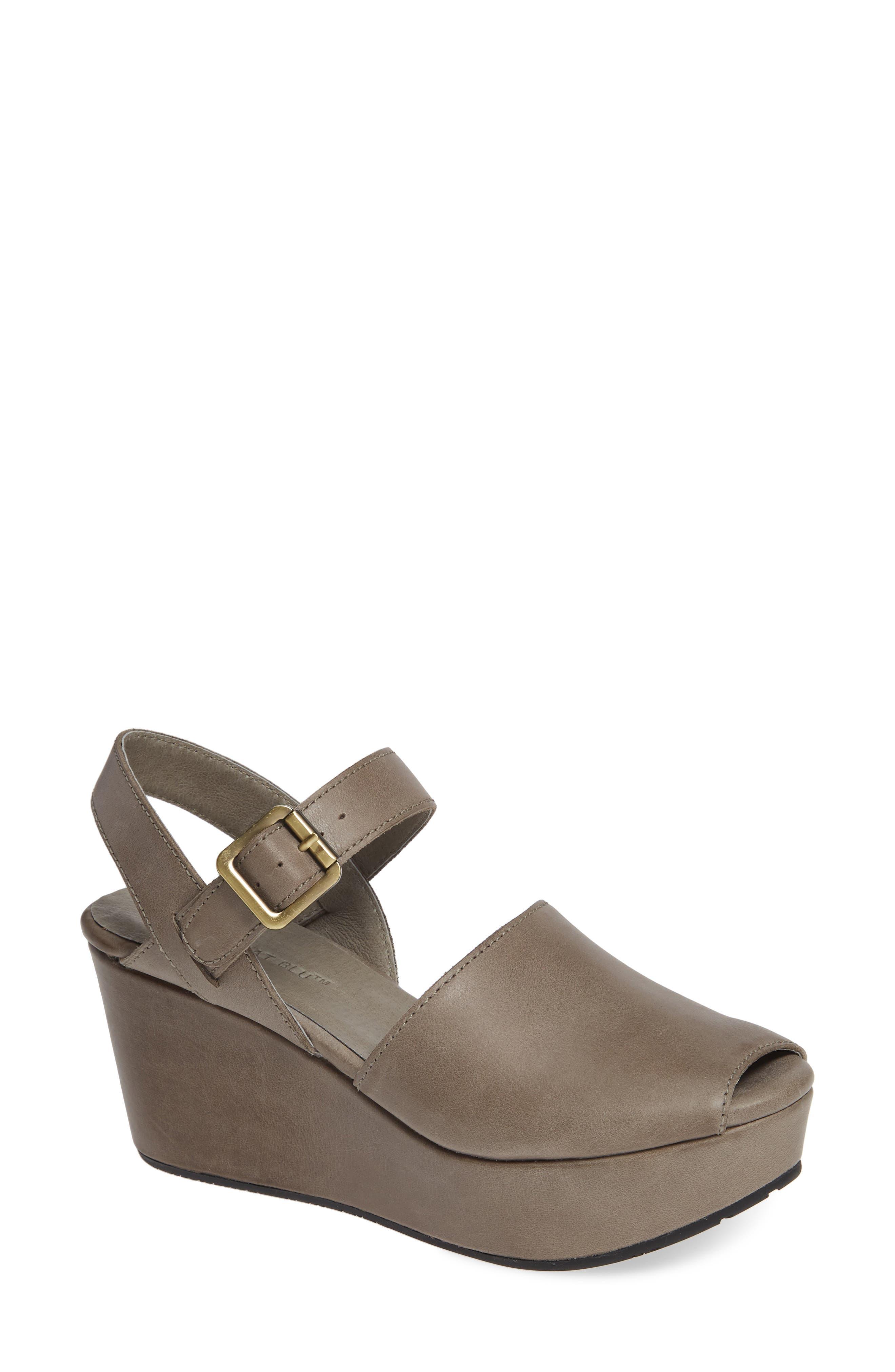 Chocolat Blu Wagga Platform Wedge Sandal- Grey