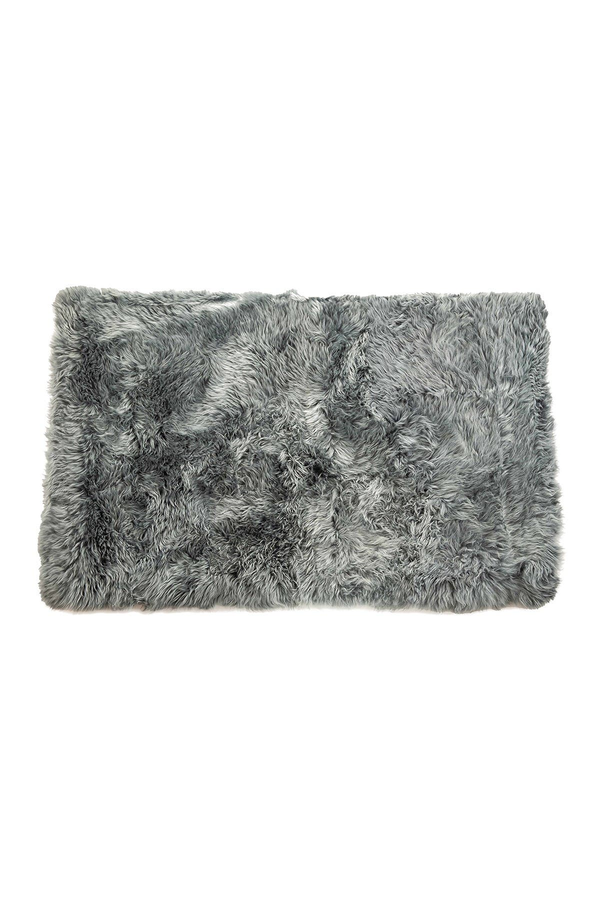 Image of Natural New Zealand Rectangular Sheepskin Throw - 3ft X 5ft - Grey