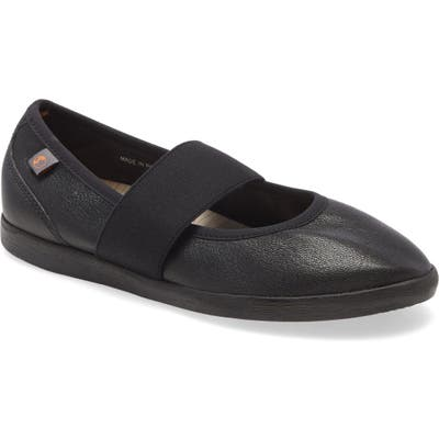 Softinos By Fly London Lynn Flat - Black