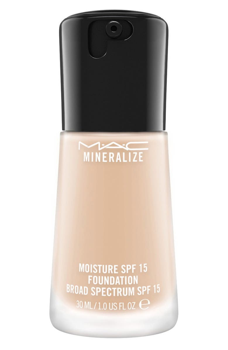 MAC COSMETICS MAC Mineralize Moisture Foundation Broad Spectrum SPF 15, Main, color, 200