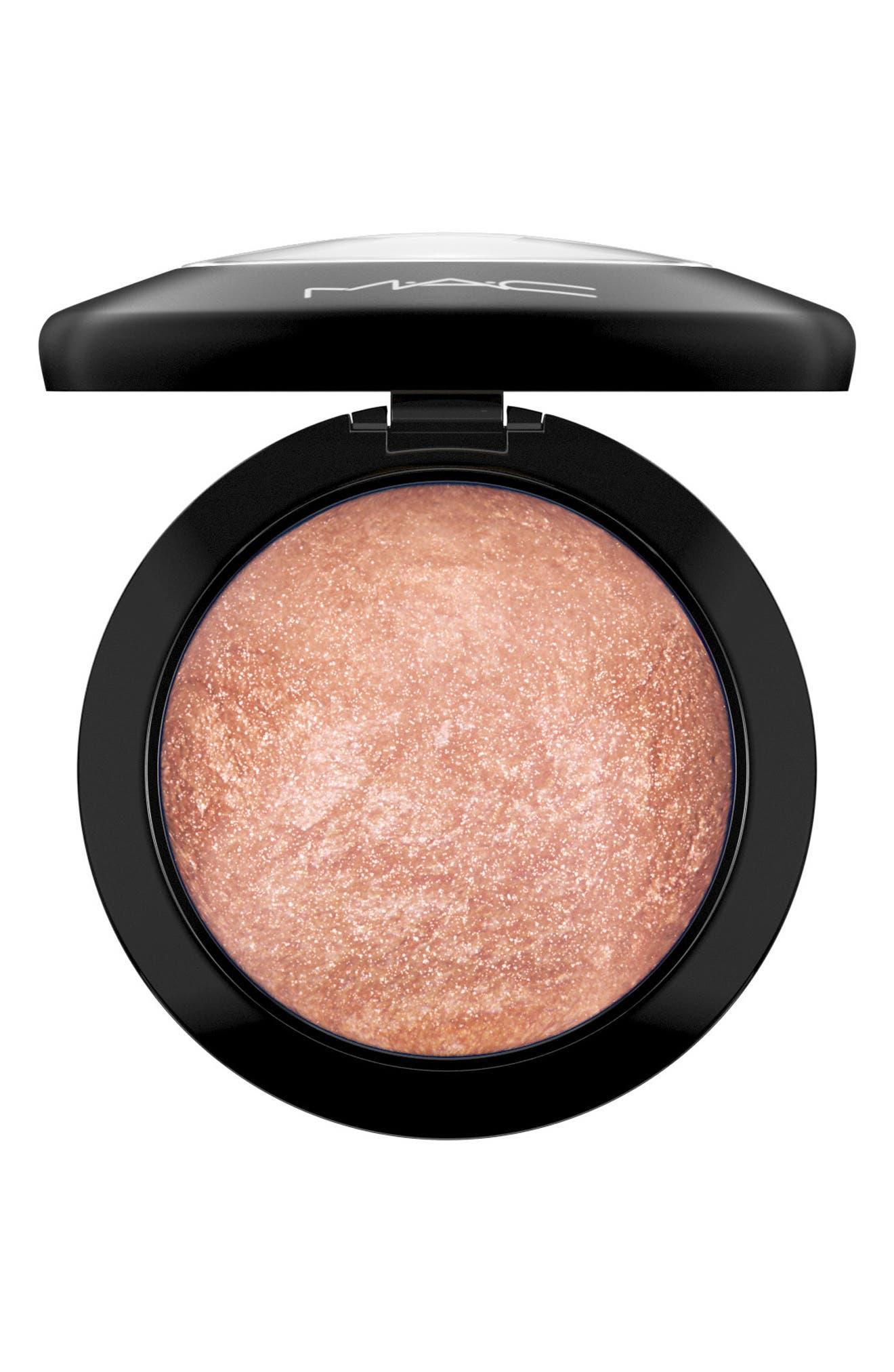 MAC Mineralize Skinfinish Powder Highlighter