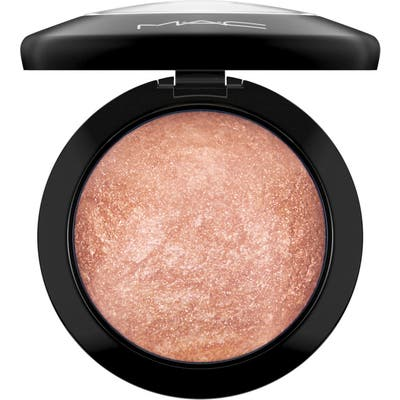 MAC Mineralize Skinfinish Powder Highlighter -