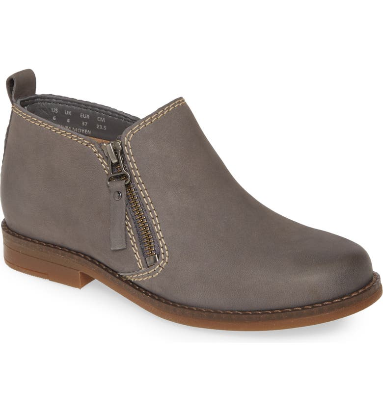 HUSH PUPPIES<SUP>®</SUP> 'Mazin Cayto' Bootie, Main, color, SMOKE NUBUCK LEATHER