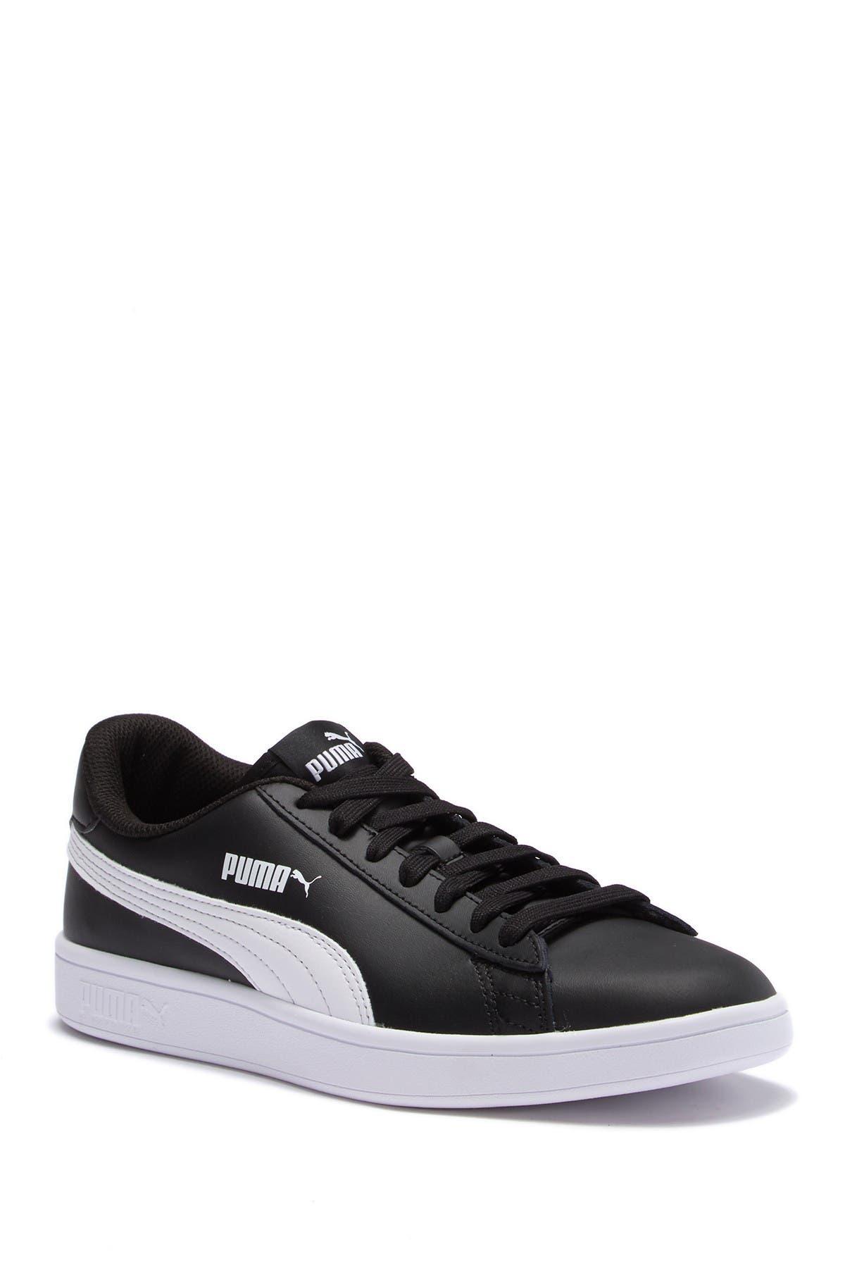 Image of PUMA Smash V2 Leather Sneaker