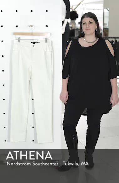 Curvy Fit Jeans, sales video thumbnail