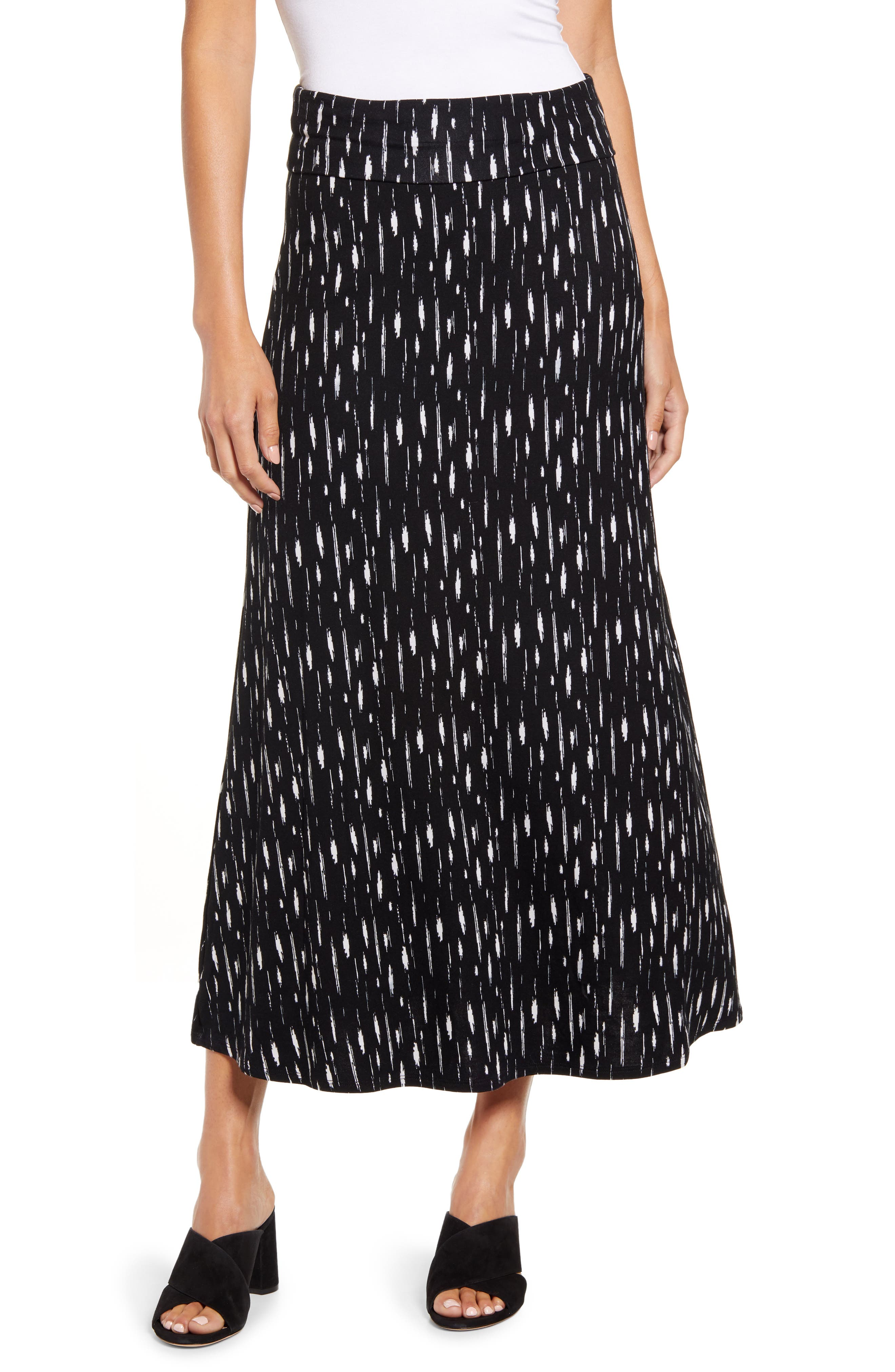 Cut from soft jersey with a streaky print, this comfortable-for-anything skirt has a waistband you can fold over to change the look and the length. Style Name: Loveappella Roll Top Print Maxi Skirt. Style Number: 5921390. Available in stores.