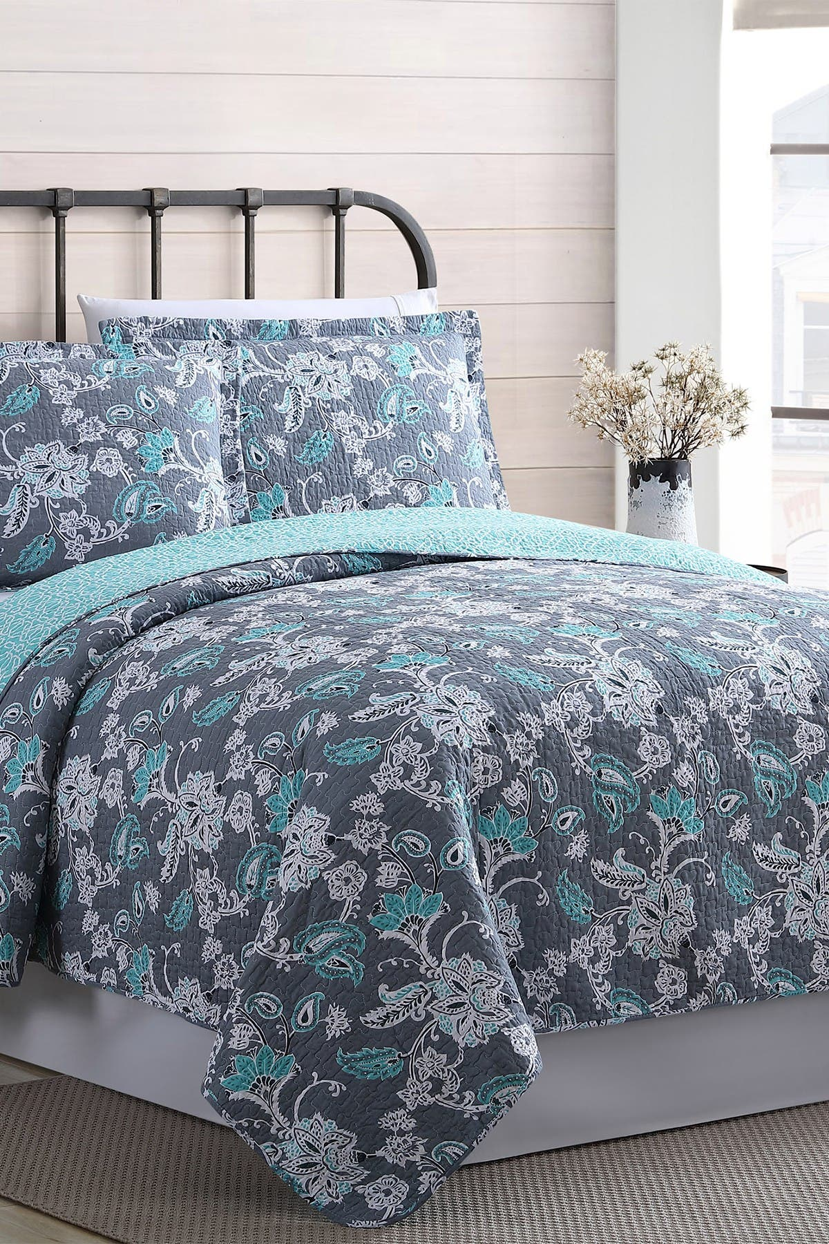 Image of Modern Threads Full/Queen Agnes Reversible Quilt Set - Agnes