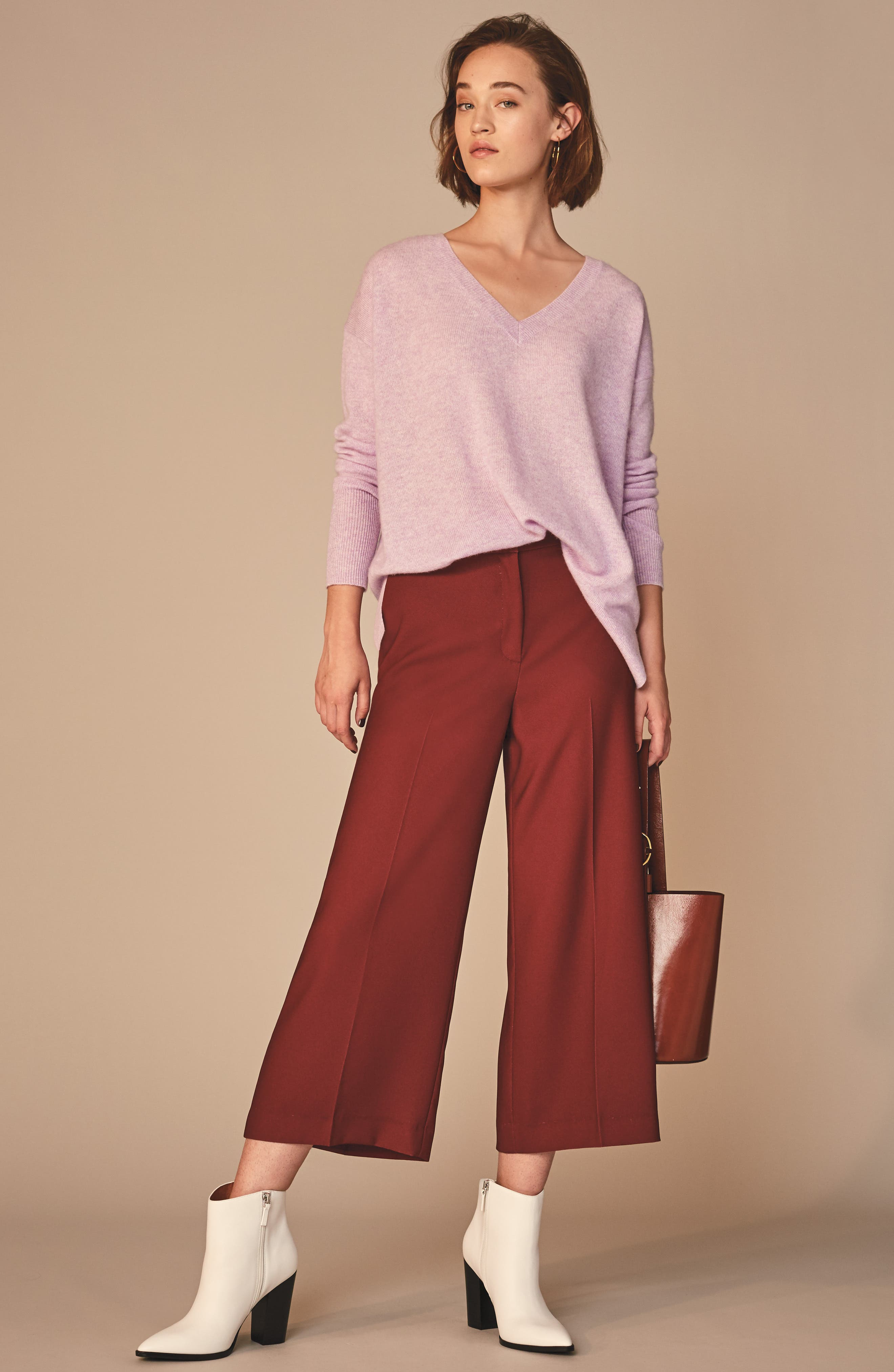 ,                             Relaxed V-Neck Cashmere Sweater,                             Alternate thumbnail 7, color,                             530