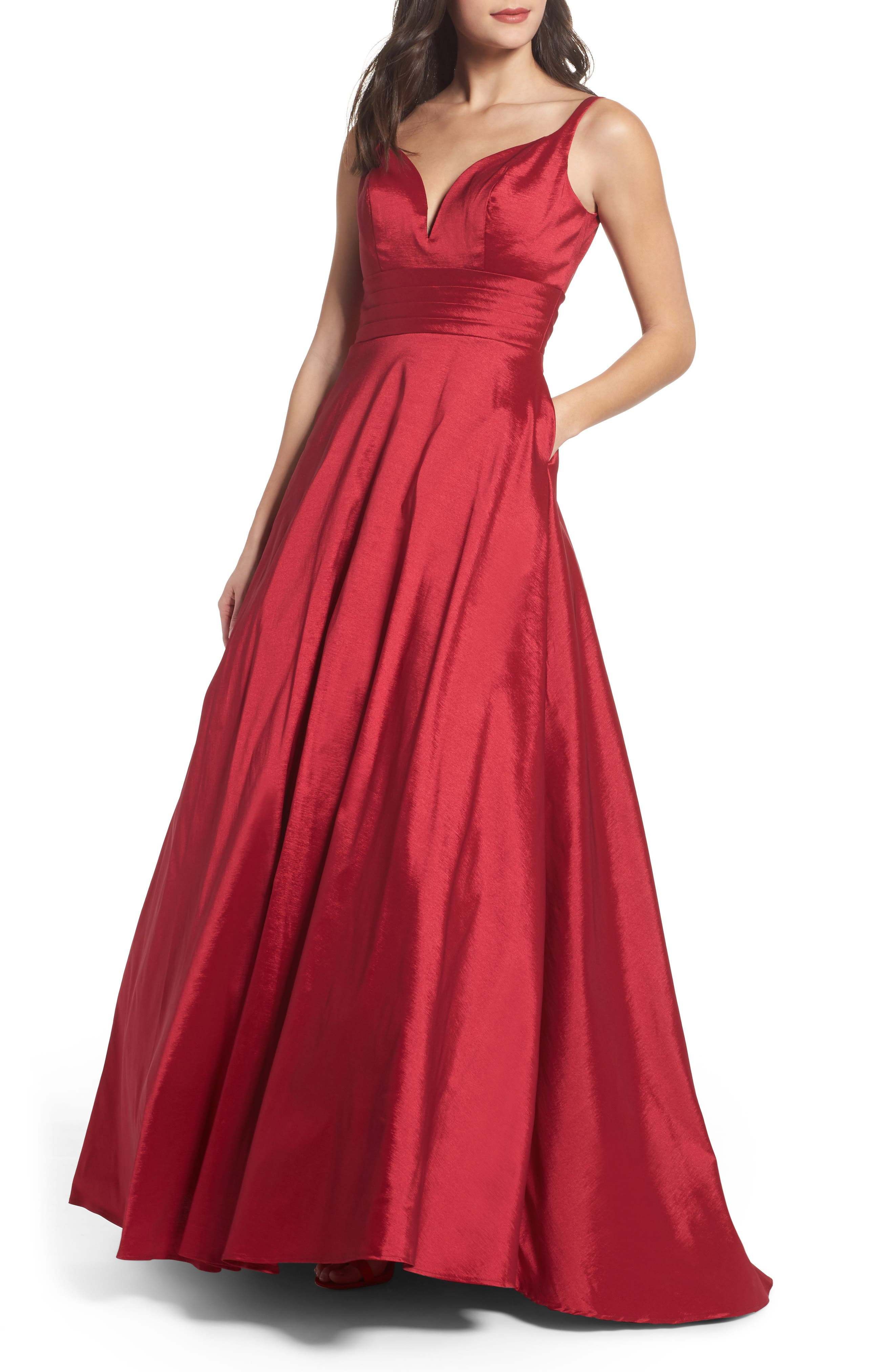 Image of Mac Duggal Plunge Neck Ballgown