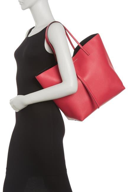 Image of Alexander McQueen Skull Shopper Leather Bag