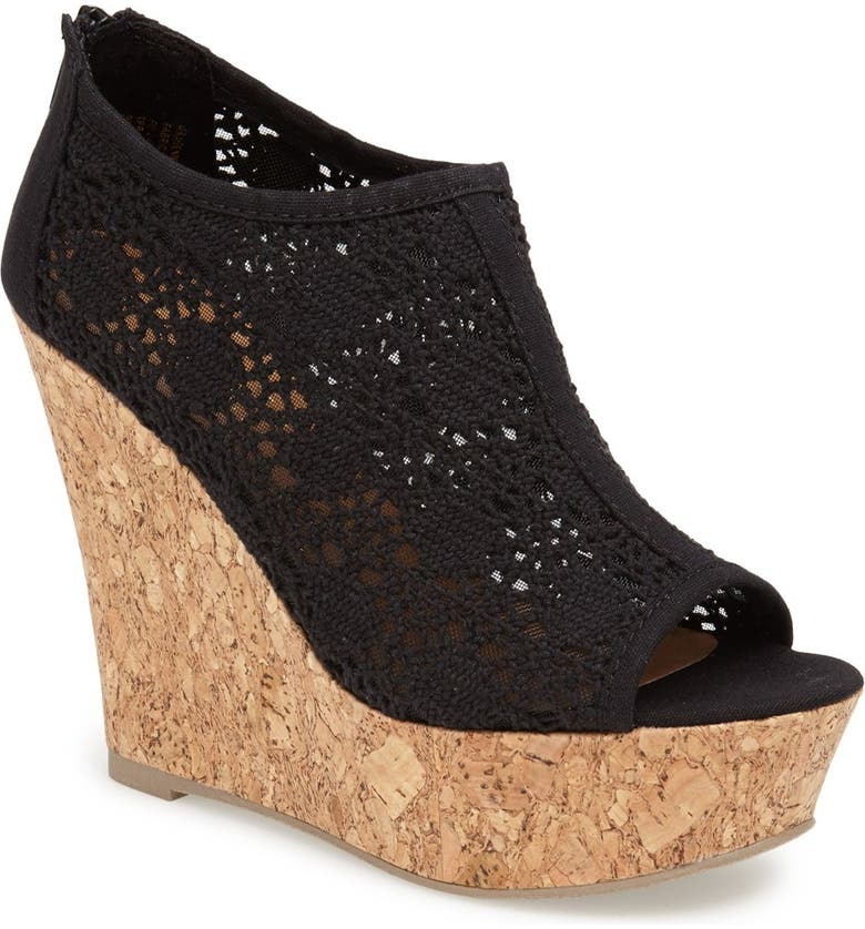 KENDALL & KYLIE KENDALL + KYLIE Madden Girl 'Raaven' Wedge Sandal, Main, color, 001