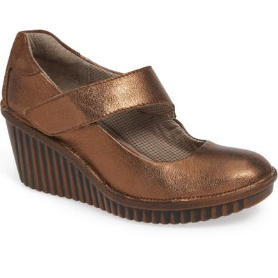 Bionica Darva Wedge Pump, Metallic