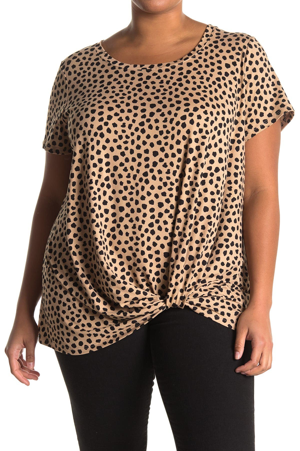 Image of SOCIALITE CURVE Front Twist Scoop Neck Top
