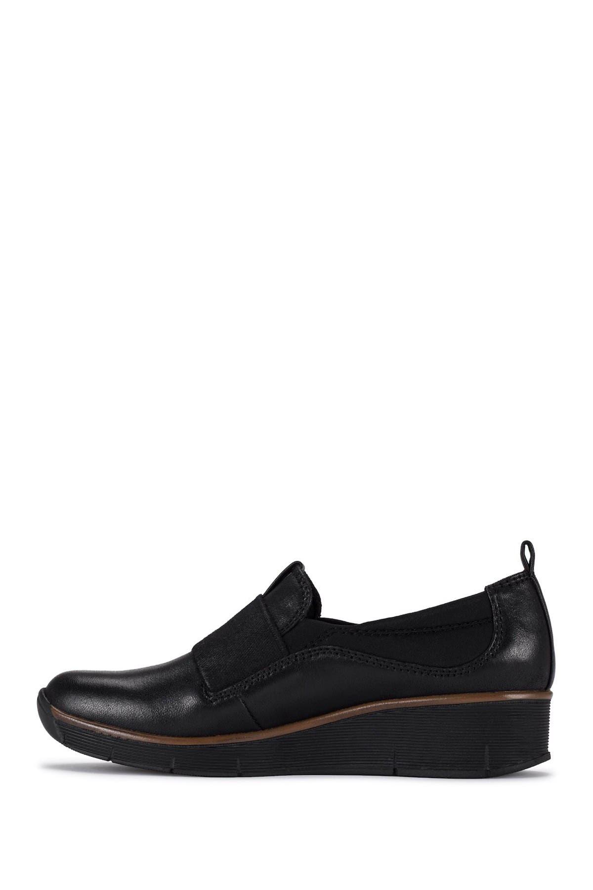 Baretraps Low heels GARNER CASUAL SLIP-ON